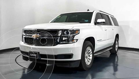 Chevrolet Suburban LT Tela usado (2014) color Blanco precio $449,999