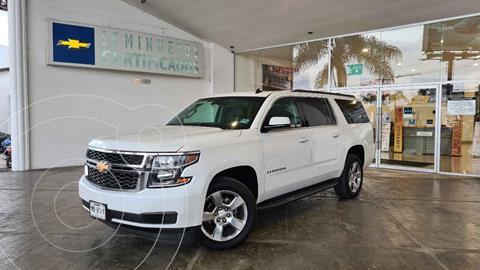Chevrolet Suburban LT Piel Cubo usado (2017) color Blanco precio $670,000