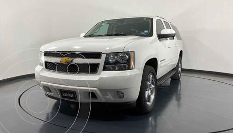 Chevrolet Suburban LT Piel Cubo usado (2014) color Blanco precio $492,999