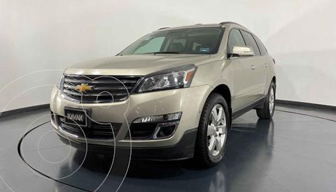 Chevrolet Traverse LT 7 Pasajeros usado (2017) color Dorado precio $377,999