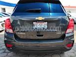 Foto venta Auto usado Chevrolet Trax 5p LT L4/1.8 Aut (2017) color Gris precio $235,000