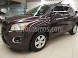 Foto venta Auto usado Chevrolet Trax LT (2016) color Blanco precio $229,000
