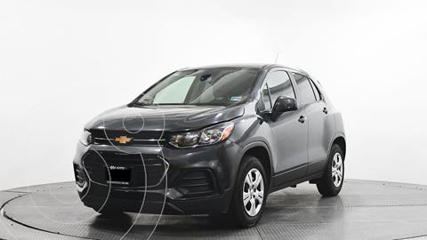 Chevrolet Trax LS usado (2017) color Gris precio $236,400