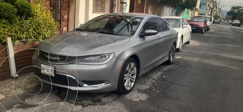 Chrysler 200 2.4L Limited usado (2015) color Gris precio $185,000