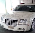 Foto venta Auto usado Chrysler 300 C 5.7L HEMI (2005) color Blanco Marfil precio $110,000