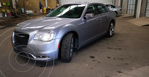 Chrysler 300 C 3.6L Pentastar usado (2017) color Plata Dorado precio $299,900