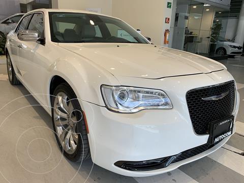 Chrysler 300 C 3.6L Pentastar usado (2016) color Blanco precio $352,000