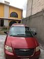Foto venta Auto usado Chrysler Grand Voyager LX (2005) color Rojo precio $70,000