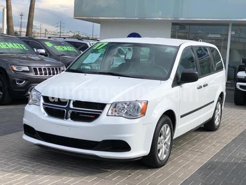 Chrysler Grand Voyager LE Aut usado (2017) color Blanco precio $298,000