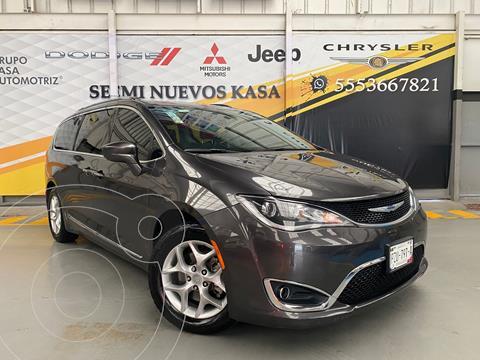 Chrysler Pacifica Limited usado (2018) color Gris precio $570,000