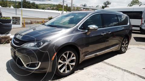 Chrysler Pacifica Limited usado (2017) color Gris precio $470,000