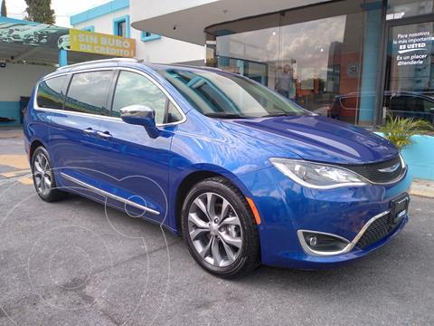 Chrysler Pacifica Limited usado (2019) color Azul precio $649,000