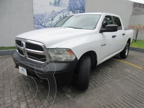 Chrysler Ram 1500 Custom usado (2015) color Blanco precio $325,000