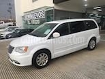 Foto venta Auto usado Chrysler Town and Country 5p Li V6/3.6 Aut color Blanco precio $289,000