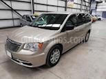Foto venta Auto usado Chrysler Town and Country Li 3.6L color Dorado precio $237,900