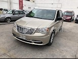 Foto venta Auto Seminuevo Chrysler Town and Country Li 3.6L (2015) color Beige precio $265,000