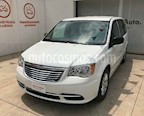 Foto venta Auto usado Chrysler Town and Country Li 3.6L (2016) color Blanco precio $267,000