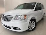 Foto venta Auto usado Chrysler Town and Country Li 3.6L (2016) color Blanco precio $279,900