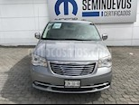 Foto venta Auto Seminuevo Chrysler Town and Country Limited 3.6L (2014) color Plata precio $330,000