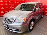 Foto venta Auto usado Chrysler Town and Country Limited 3.6L (2014) color Plata precio $273,000