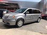 Foto venta Auto Seminuevo Chrysler Town and Country Limited 3.6L (2014) color Plata precio $263,000