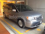 Foto venta Auto usado Chrysler Town and Country Limited 3.8L Aut (2014) color Plata precio $265,000