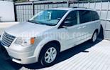 Foto venta Auto usado Chrysler Town and Country LX 4.0L (2010) color Plata precio $156,000