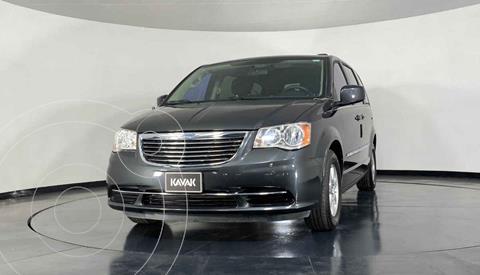 Chrysler Town and Country LX 3.6L usado (2012) color Gris precio $172,999