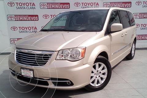 Chrysler Town and Country Touring 3.6L usado (2014) color Dorado precio $250,000
