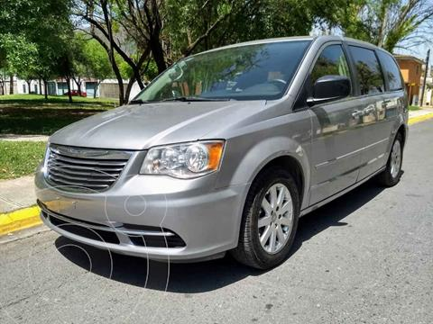 Chrysler Town and Country Li 3.6L usado (2016) color Plata precio $229,900