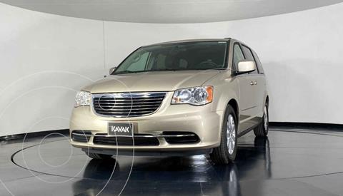 Chrysler Town and Country LX 3.6L usado (2014) color Dorado precio $212,999