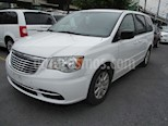 Chrysler Town and Country Li 3.6L usado (2016) color Blanco precio $180,000