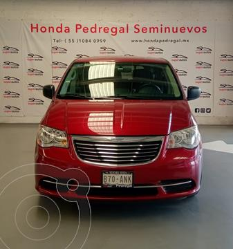 Chrysler Town and Country LX 3.6L usado (2014) color Rojo precio $199,000