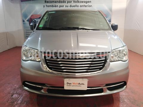 foto Chrysler Town and Country Limited 3.6L usado (2015) color Plata Martillado precio $191,000