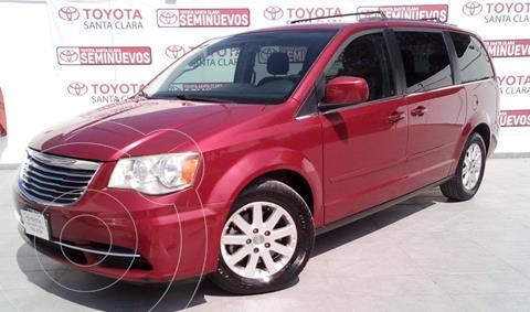 Chrysler Town and Country LX 3.6L usado (2013) color Rojo precio $187,000