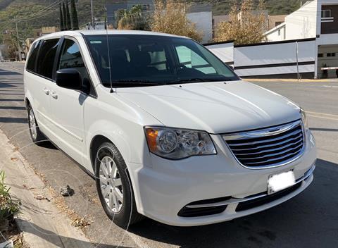 Chrysler Town and Country Li 3.6L usado (2014) color Blanco precio $159,800