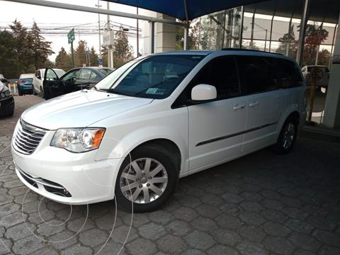 Chrysler Town and Country Touring Piel 3.6L usado (2016) color Blanco precio $299,000