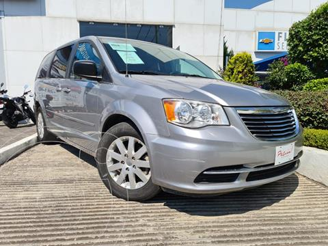 Chrysler Town and Country Li 3.6L usado (2016) color Gris precio $209,900
