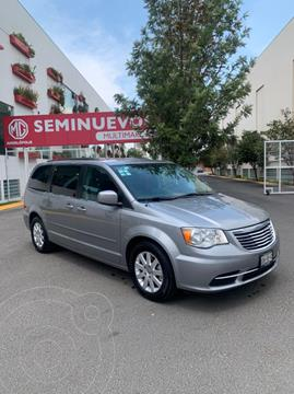 foto Chrysler Town and Country Touring 3.6L usado (2015) color Plata Martillado precio $215,000