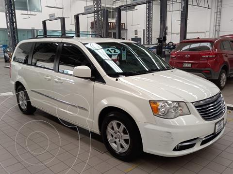 Chrysler Town and Country Touring 3.6L usado (2012) color Blanco precio $185,000