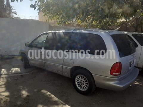 Chrysler Town and Country Limited 3.8L Aut usado (2000) color Gris precio $50,000