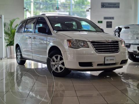 Chrysler Town and Country LX 3.6L usado (2010) color Blanco precio $139,149