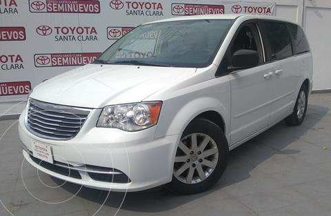 Chrysler Town and Country Touring 3.6L usado (2016) color Blanco precio $255,000