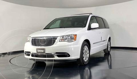 Chrysler Town and Country Touring 3.6L usado (2014) color Beige precio $234,999