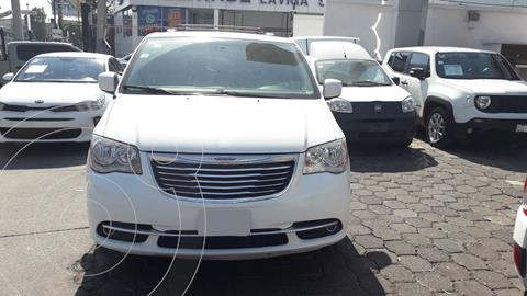 Chrysler Town and Country Touring Piel 3.6L usado (2015) color Blanco precio $245,000