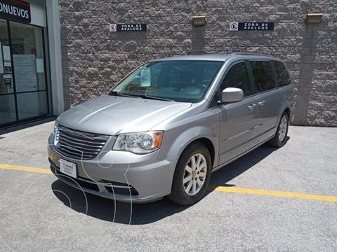 Chrysler Town and Country Touring 3.6L usado (2015) color Plata Dorado precio $205,000