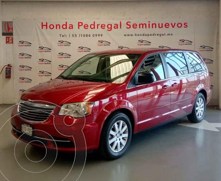 Chrysler Town and Country LX 3.6L usado (2014) color Rojo precio $199,000