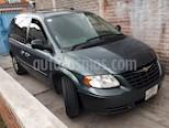Foto venta Auto usado Chrysler Voyager 3.3L LX (2007) color Verde Oliva precio $86,000