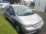Foto venta Auto usado Chrysler Voyager 3.3L LX (2000) color Gris Plata  precio $48,000