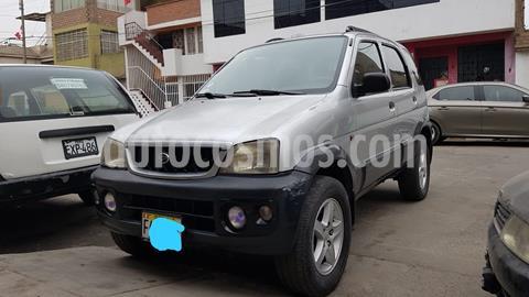 Daihatsu Terios Long 4x4  1.3  usado (2001) color Plata precio $5,000